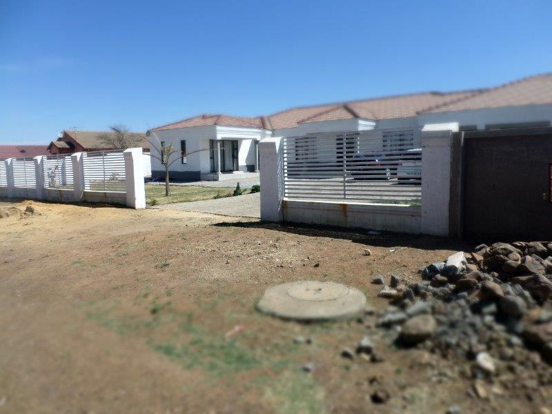 Property For Sale in Meyerton Park, Meyerton 24