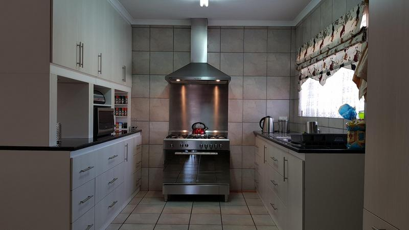 Property For Sale in Rothdene, Meyerton 8