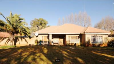 Property For Sale in Three Rivers North, Vereeniging
