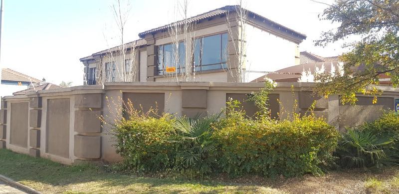 House For Sale in Meyerton Ext 6, Meyerton