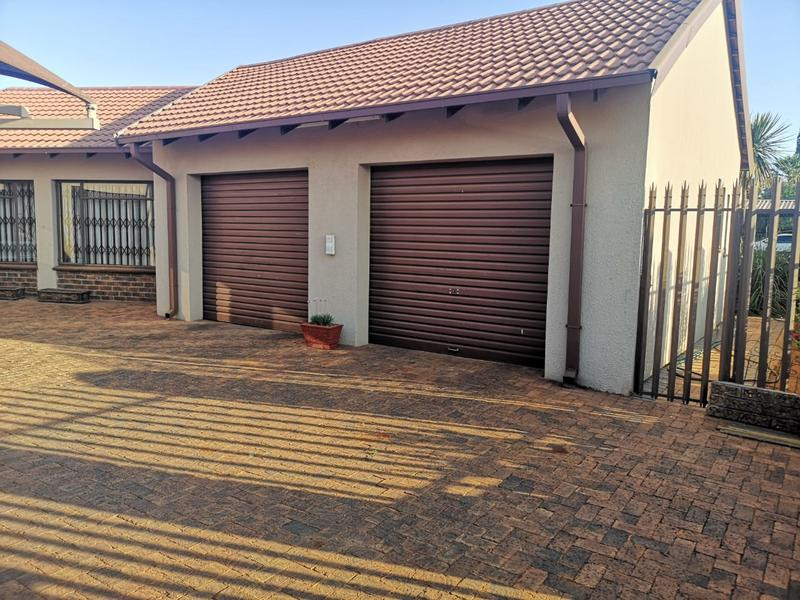 Property For Sale in Golf Park, Meyerton 9