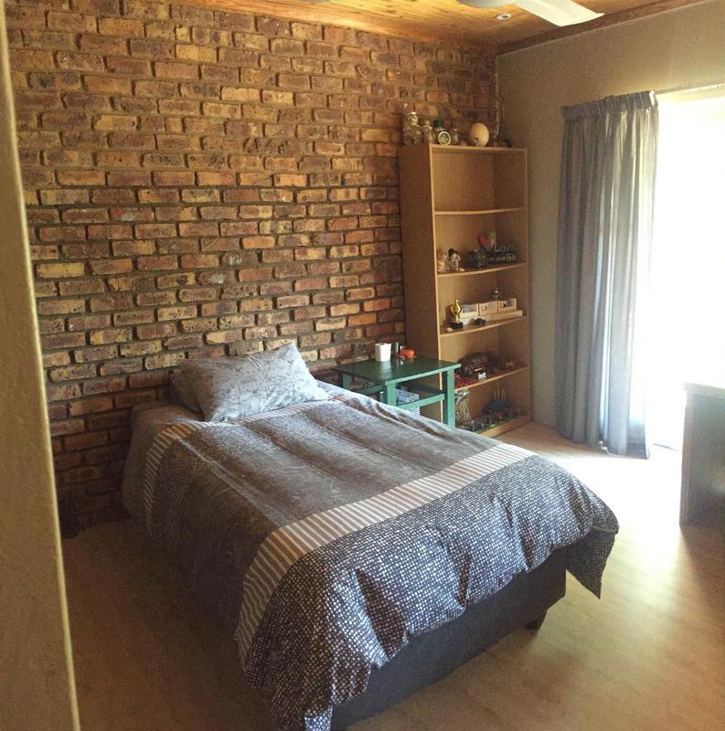 Property For Sale in De Deur Estates, Vereeniging 24