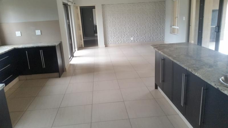 Property For Sale in Three Rivers East, Vereeniging 17
