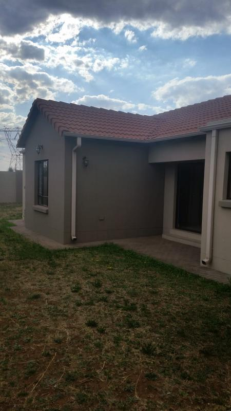 Property For Sale in Three Rivers East, Vereeniging 5