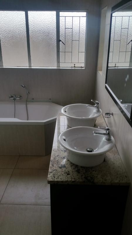 Property For Sale in Three Rivers East, Vereeniging 31