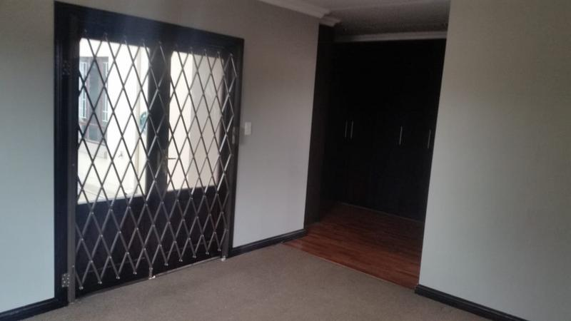 Property For Sale in Three Rivers East, Vereeniging 33