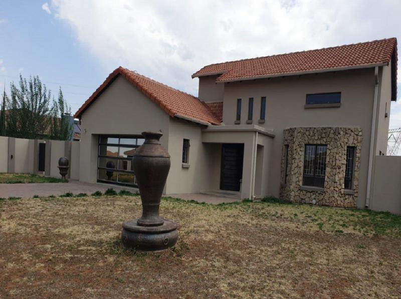 Property For Sale in Three Rivers East, Vereeniging 2