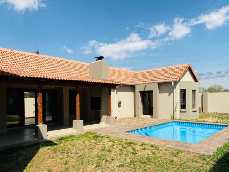 Property For Sale in Three Rivers East, Vereeniging 6