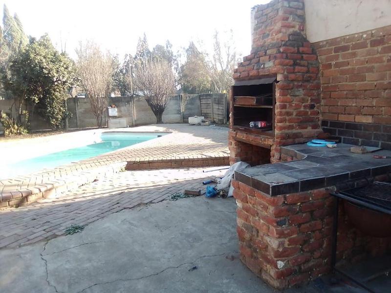 Property For Sale in Duncanville, Vereeniging 13