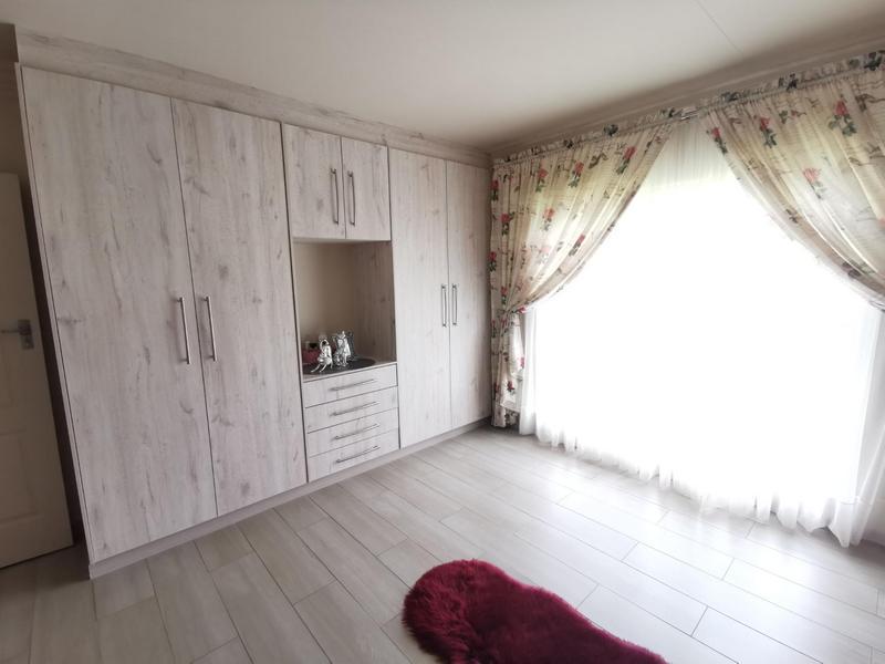 Property For Sale in Rothdene, Meyerton 14