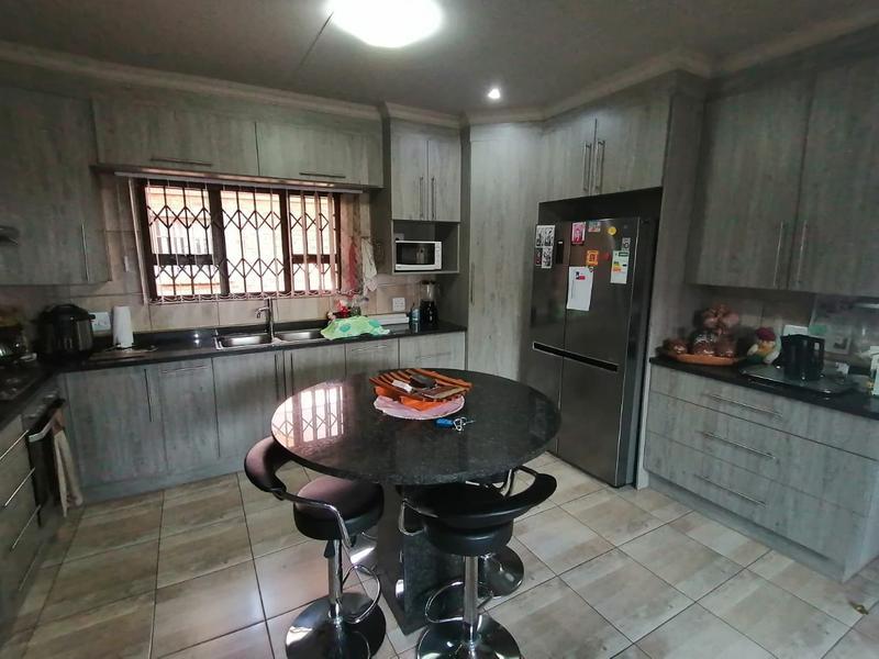 Property For Sale in Riversdale, Meyerton 12