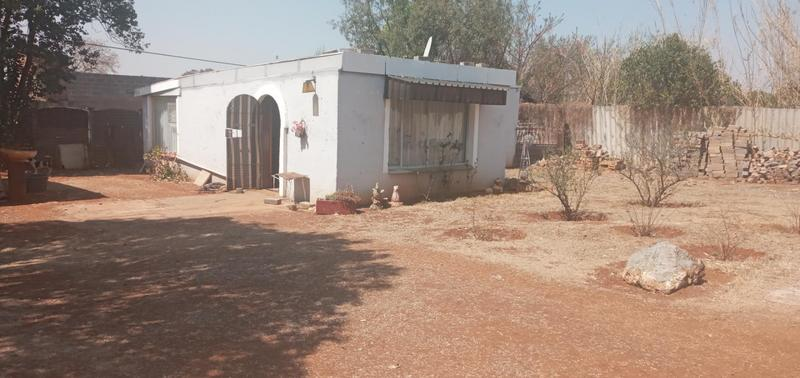 Family home with flatlet For Sale in Daleside, Randvaal